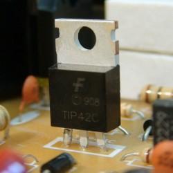 Transistor bipolar en corriente continua